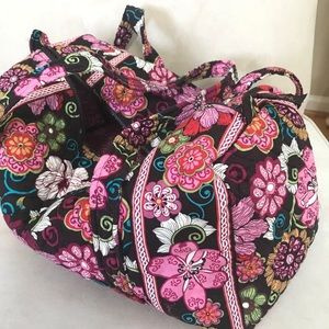 💕 Vera Bradley Duffel Bag In retired Mod Floral